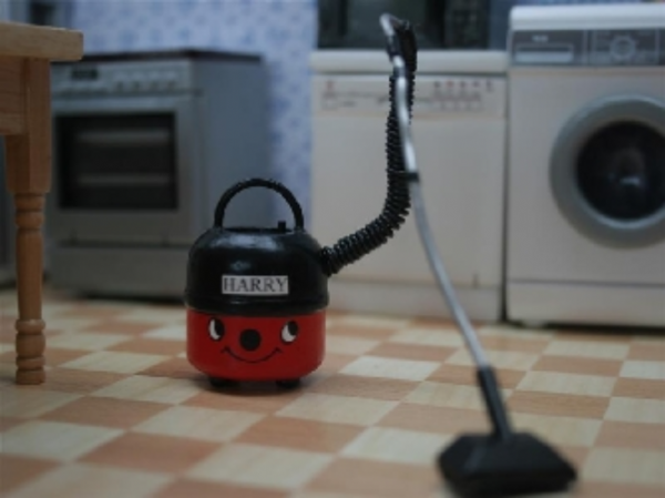 Harry the Hoover, for the dolls house. K54